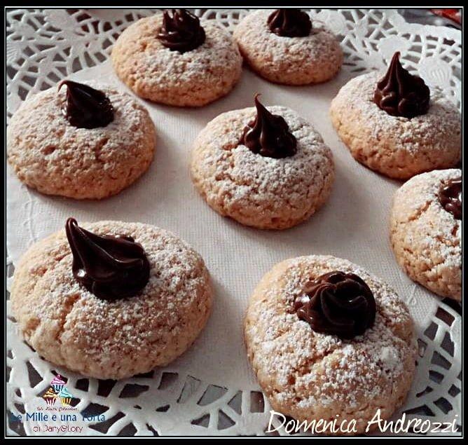 Biscotti Bottone Ripieni Di Nutella Friabili E Golosi 2
