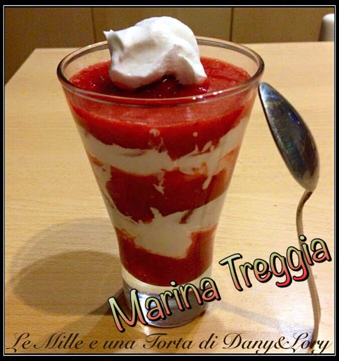 COULIS DI FRAGOLE CON PANNA