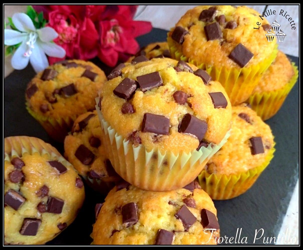 Ricetta Muffin Con Gocce Di Cioccolato.Muffin Con Gocce Di Cioccolato Quadrate Cosi Soffici Non Li Hai Mai Mangiati
